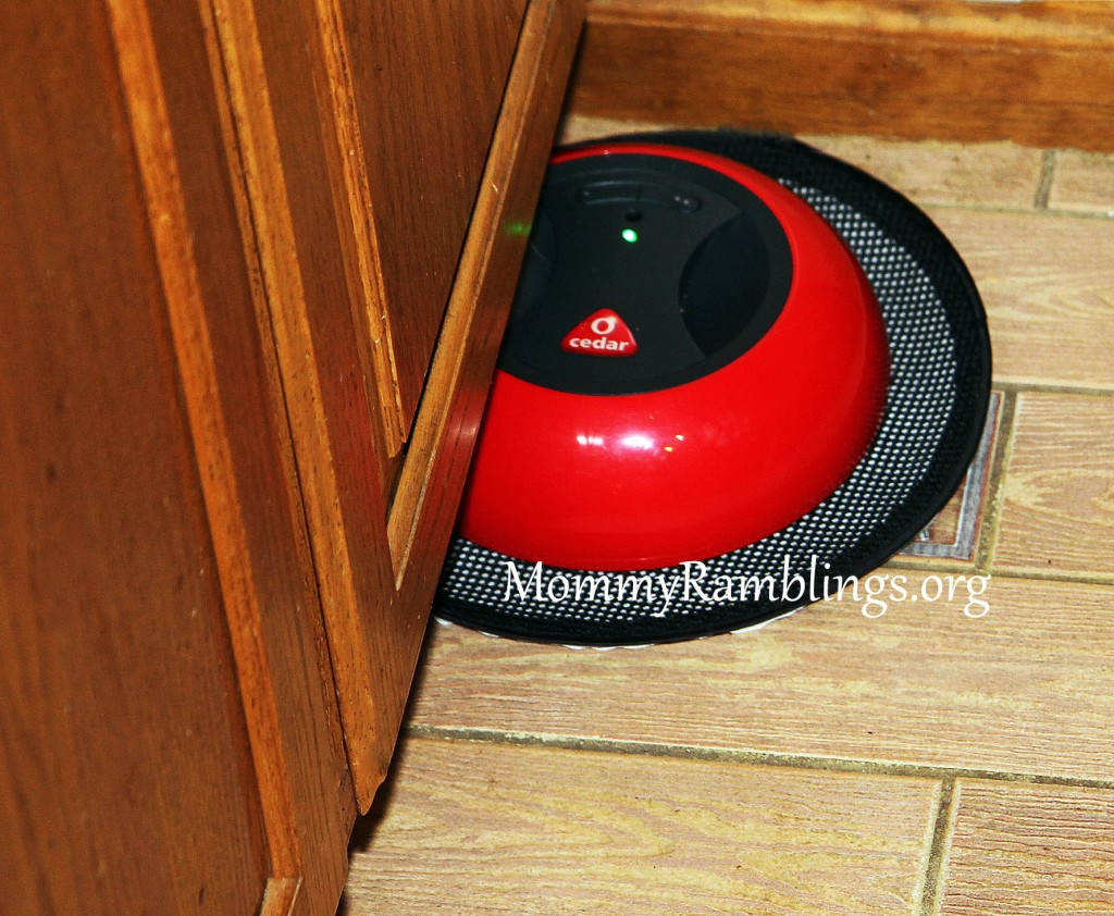 o cedar o duster robotic floor cleaner review giveaway mommy ramblings. Black Bedroom Furniture Sets. Home Design Ideas