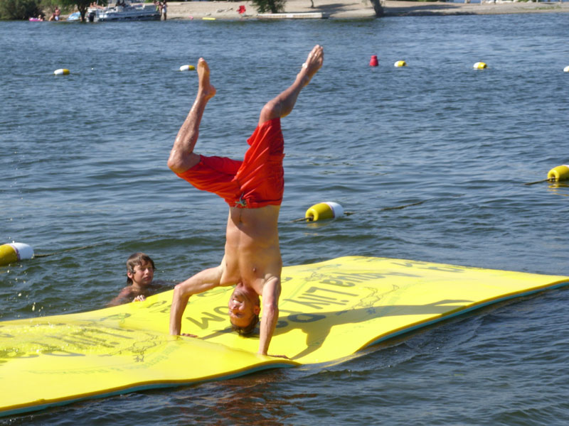 Toys For The Summer : Wow walkonwater pad a great summer toy for kids adults